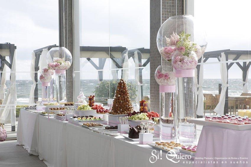 La mesa de postres para tu boda dulces y frutas for Mesa de dulces para boda